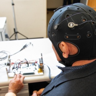 A Next-Gen EEG Could Help Bring Back Lost Brain Function